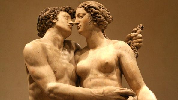 Hombres mujeres aman igual estatuas arte mirada pechos fuerza musculo torso amor boda matrimonio fidelidad frialdad marido esposa