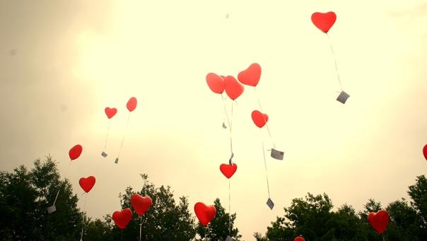 Amate autoestima autoimagen emociones inteligencia emocional globos corazones amor volar cielo arboles helio oxigeno consciencia autoimagen coaching motivacion superacion