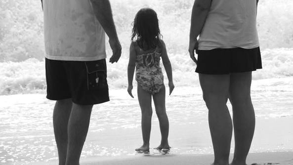 Aceptacion dejar ser libertad educacion autoestima personalidad padres hijos miedo confianza playa hijos hija control permiso