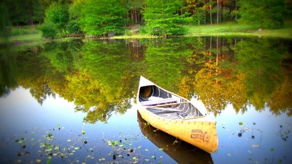 Jorge Bucay relato fabula balsa canoa lago transparente naturaleza cuento aprendizaje miedo ira colera proyeccion psicologica psicoanalisis trauma psicologia gestalt control emociones rabia agresion violencia