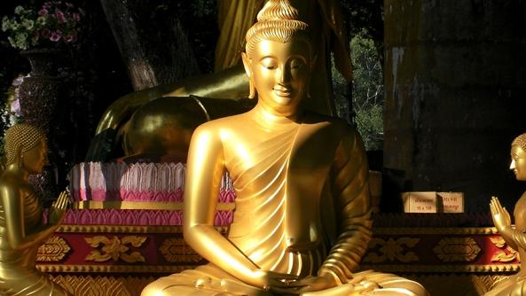 Buda budismo meditacion posicion loto concentracion tranquilidad paz anthony mello tony fabula cuento relato moraleja psicologia consciencia darsecuenta