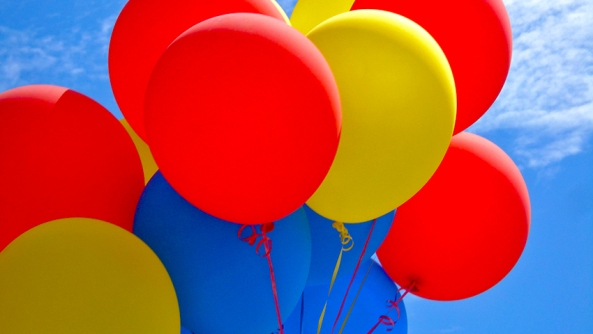 Pinchaglobos balon aguafiestas ilusiones destruccion motivacion fuerza voluntad amigo pareja confianza autoestima envida odio rencor felicidad infeliz globos feria helio regalo